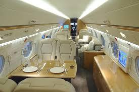 El interior del avión de Peter Lim