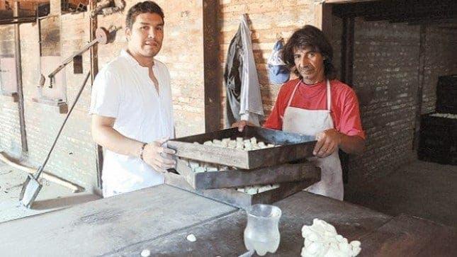 Cabañas se dedica para vivir a la panadería junto a su padre. Agencia