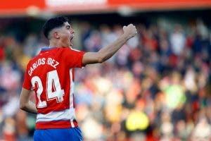 Lo que necesita el Granada CF para mantener a Carlos Fernández