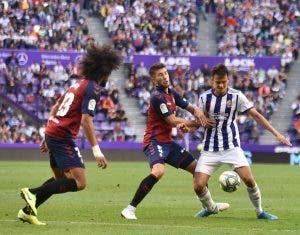 El fichaje galáctico que enfrenta a Osasuna y Real Valladolid