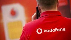 Cliente acude a Vodafone con ofertón de Movistar para ser escuchado por fin