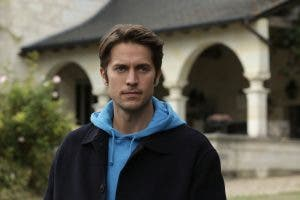 Emily en París atrapada en temporada 2 entre Camile y Gabriel