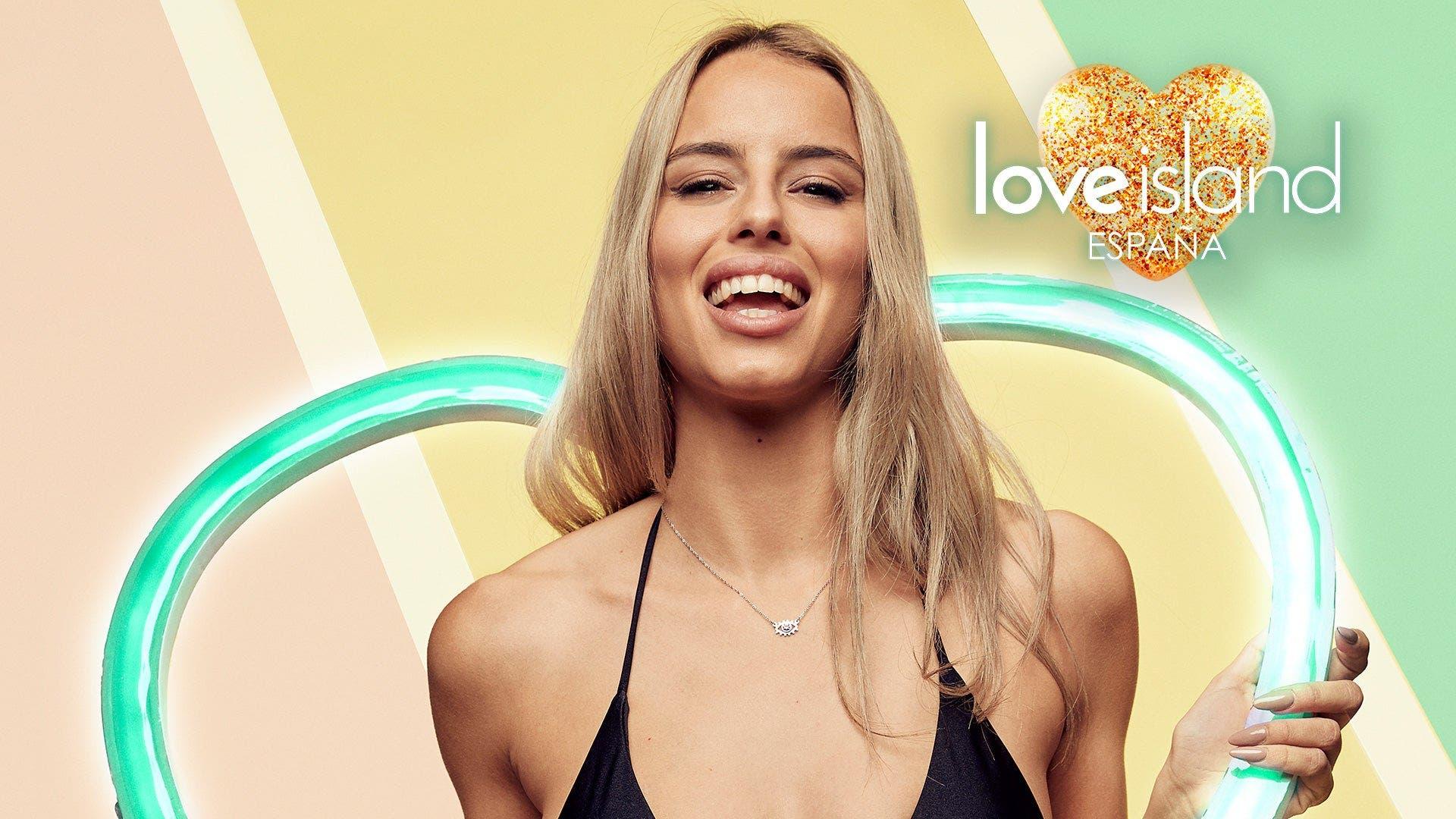 Love Island Carla