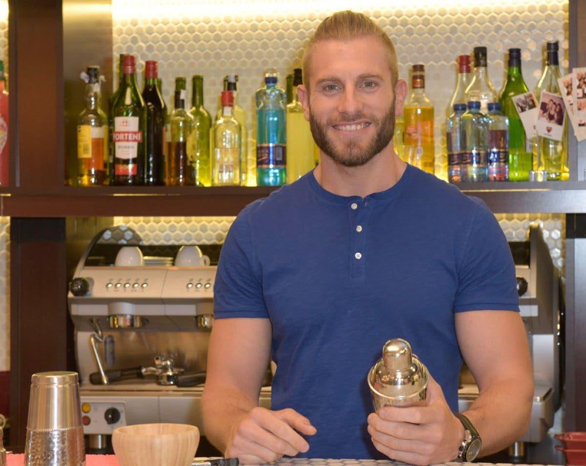 Barman first dates