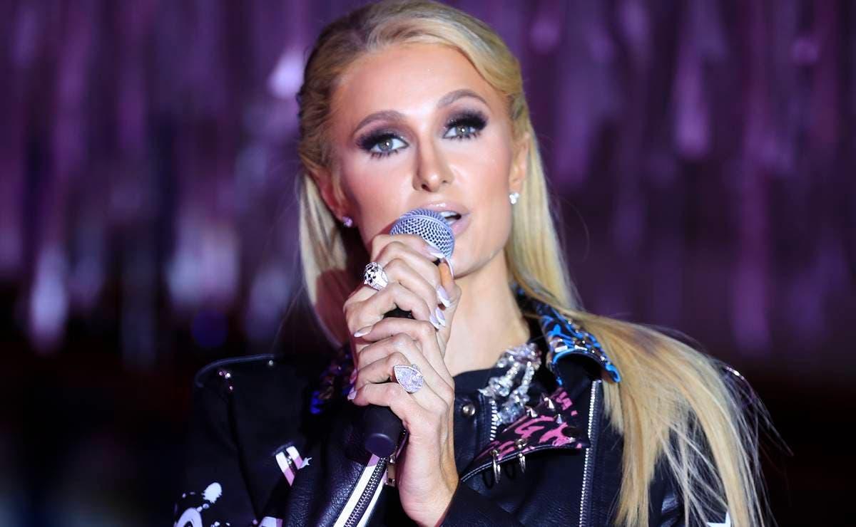 Paris Hilton Mask Singer