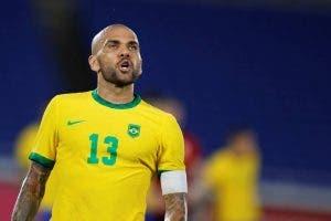 Dani Alves con Brasil