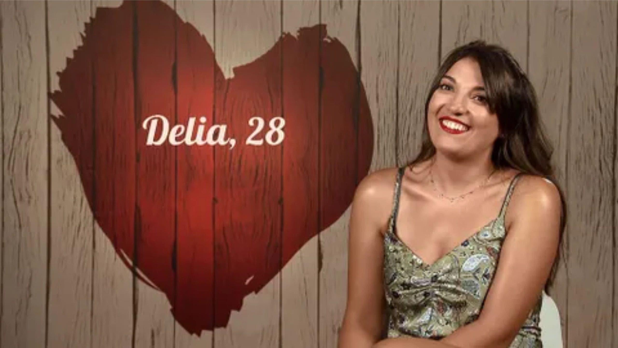 Delia First Dates