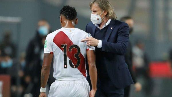 Renato Tapia injury