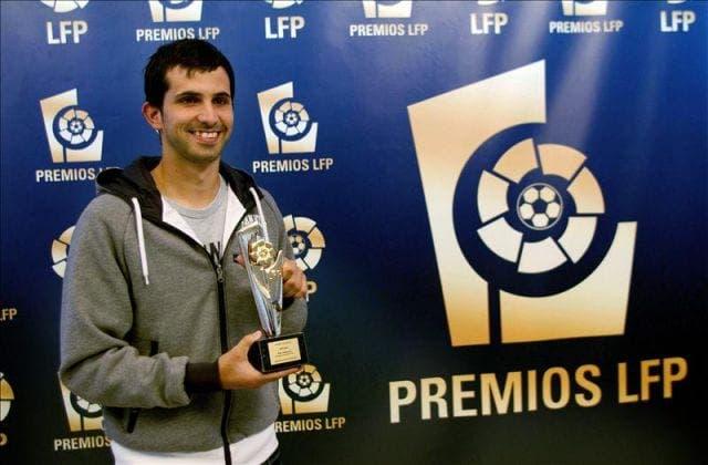Álex López recogiendo un premio de la LFP / Agencias