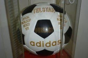 800px-Adidas_Telstar_Mexico_1970_Official_ball