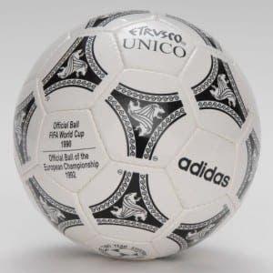 Adidas_Etrusco_Unico_futbol_topu