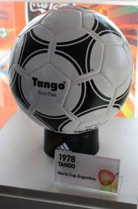 Adidas_Tango