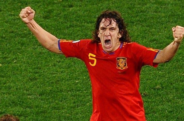 Carles-Puyol-celebra-un-gol-co_54291247792_53389389549_600_396