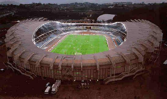 A los 32.076 espectadores se les queda pequeño Anoeta.