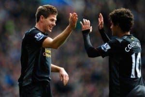 Gerrard-Samakan-Coutinho-dengan-Owen-dan-Torres_duniasoccer615