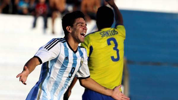 Simeone abrió y cerró el marcador a favor de la Argentina. Agencia
