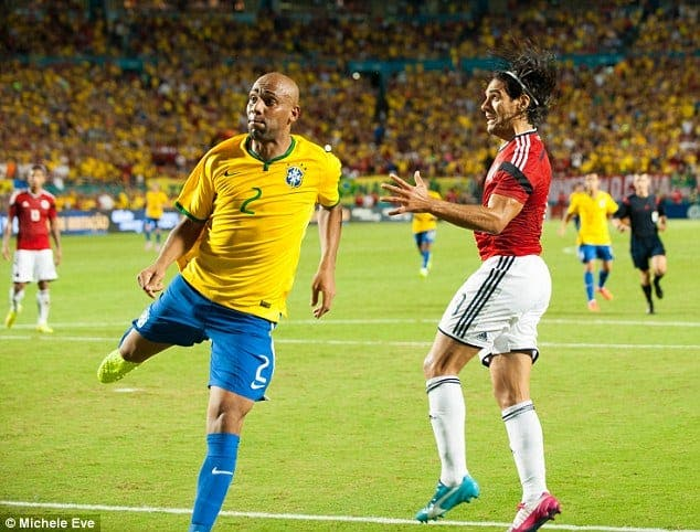 Maicon en su último amistoso contra Colombia esta semana. Foto: Agencias.