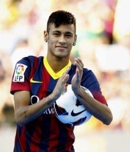 Neymar-y-sus-primeras-diecinueve-horas-en-Barcelona-876x1024