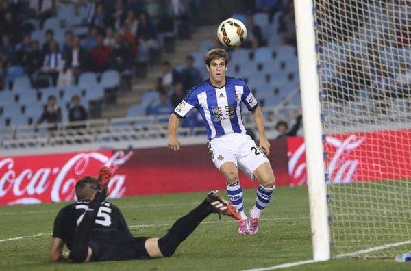 Pablo Hervías anotando el único gol de la Real frente al Getafe. Foto: Agencias.
