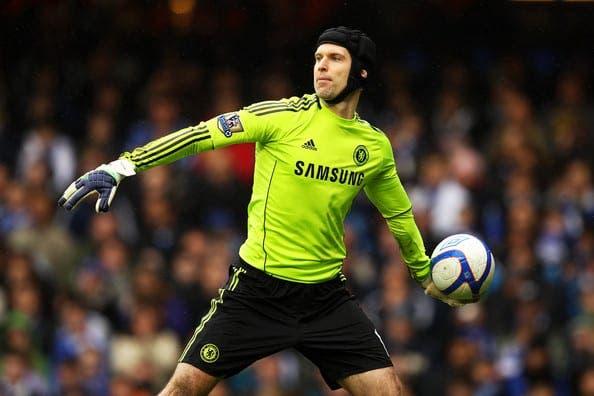 Petr Cech es pretendido por el Real Madrid.