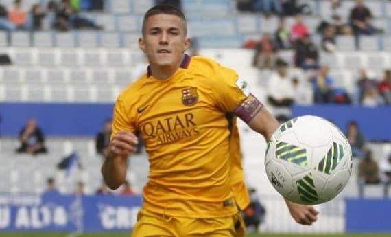 Sergi Palencia con el Barca