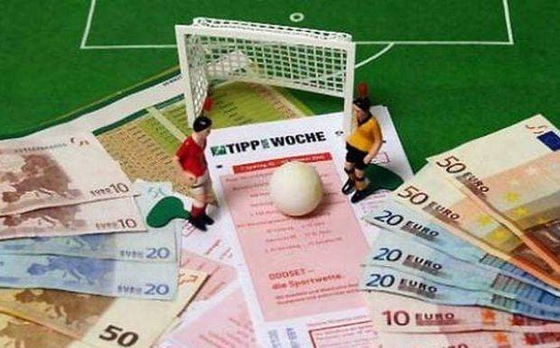 Tope-salarial-en-el-fútbol-620x386