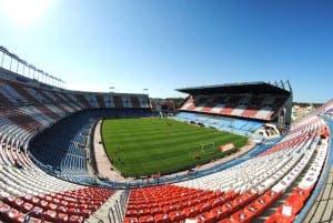 Vicente_Calderón_Stadium_by_BruceW