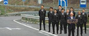 'Meme' que circula en Italia con los jugadore del Milán haciendo autostop