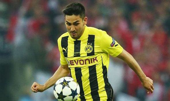 Vuelve uno de los mejores jugadores del Dortmund  después de estar más de un año lesionado