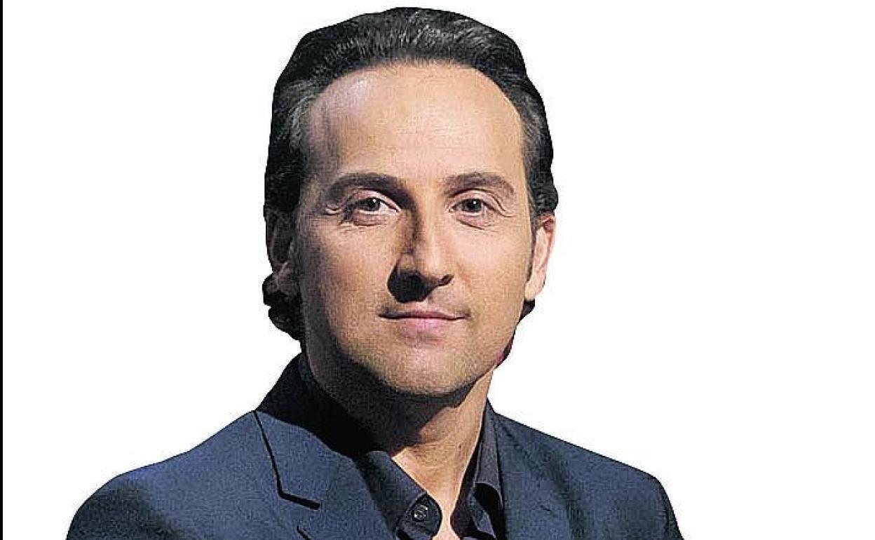 iker jimenez presentador de cuarto milenio