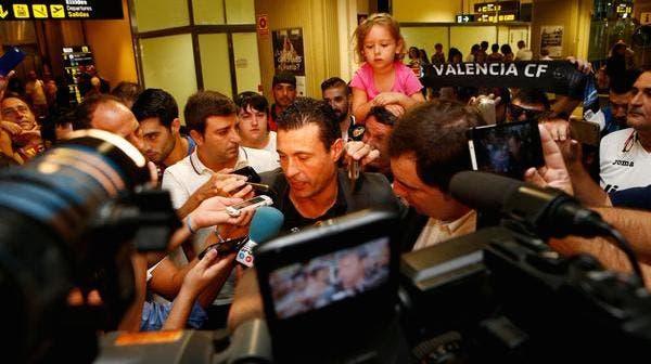 Amadeo Salvo a su llegada al aeropuerto de Valencia
