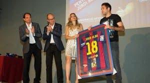 Jordi Alba en la ignaguración de su peña