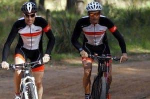 Luis Enrique y Unzué en bicicleta. Foto: Pep Morata-MD