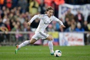 El Valencia CF quiere adelantar al Sevilla FC por el próximo Modric