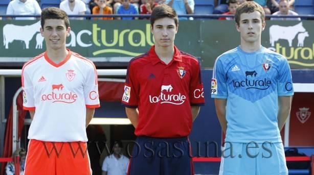 Nueva equipación de Osasuna para la temporada 2014-2015.
