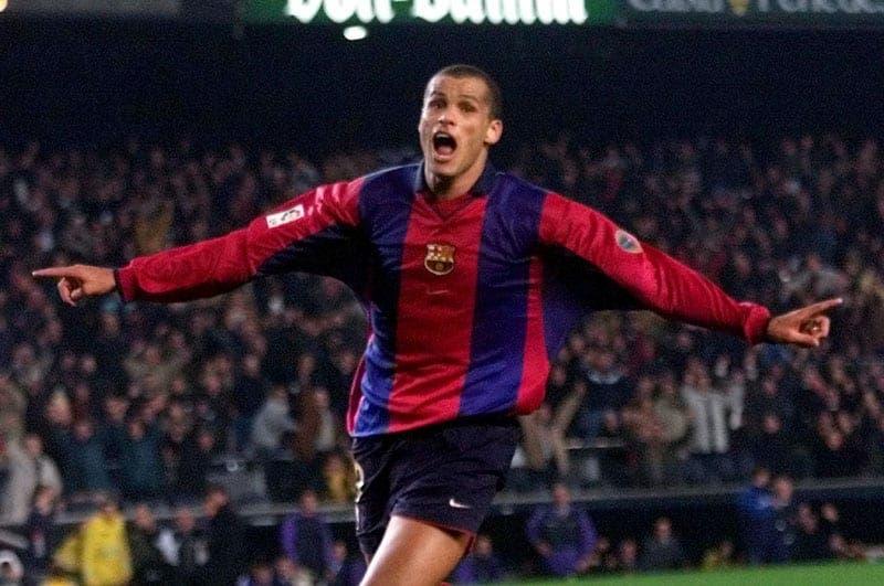 Rivaldo celebrando un gol