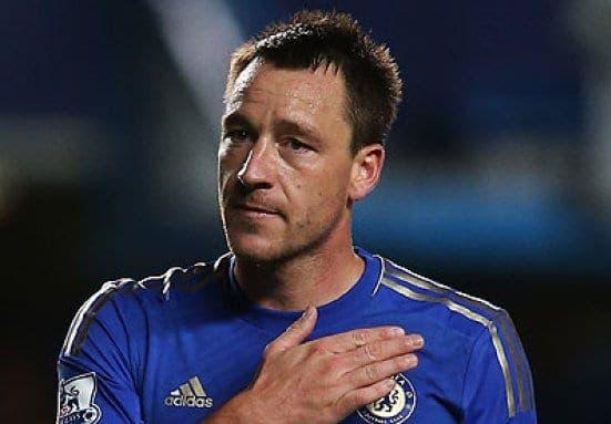 John Terry haciendo señal de su amor por el Chelsea. Foto: Agencias.